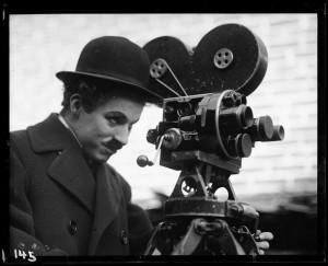 Chaplin_ModernTimes_1936_�YvesDebraine_BD