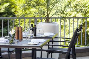 Crowne-Plaza-Geneva-Restaurant-Seventy5-Terrasse-1