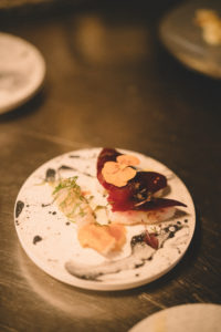artgeneve-Night-fall-CafeDesBains-philippe-cramer-Thibault-Fuks-pop-up-restaurant-cooking-beetroot-sushis